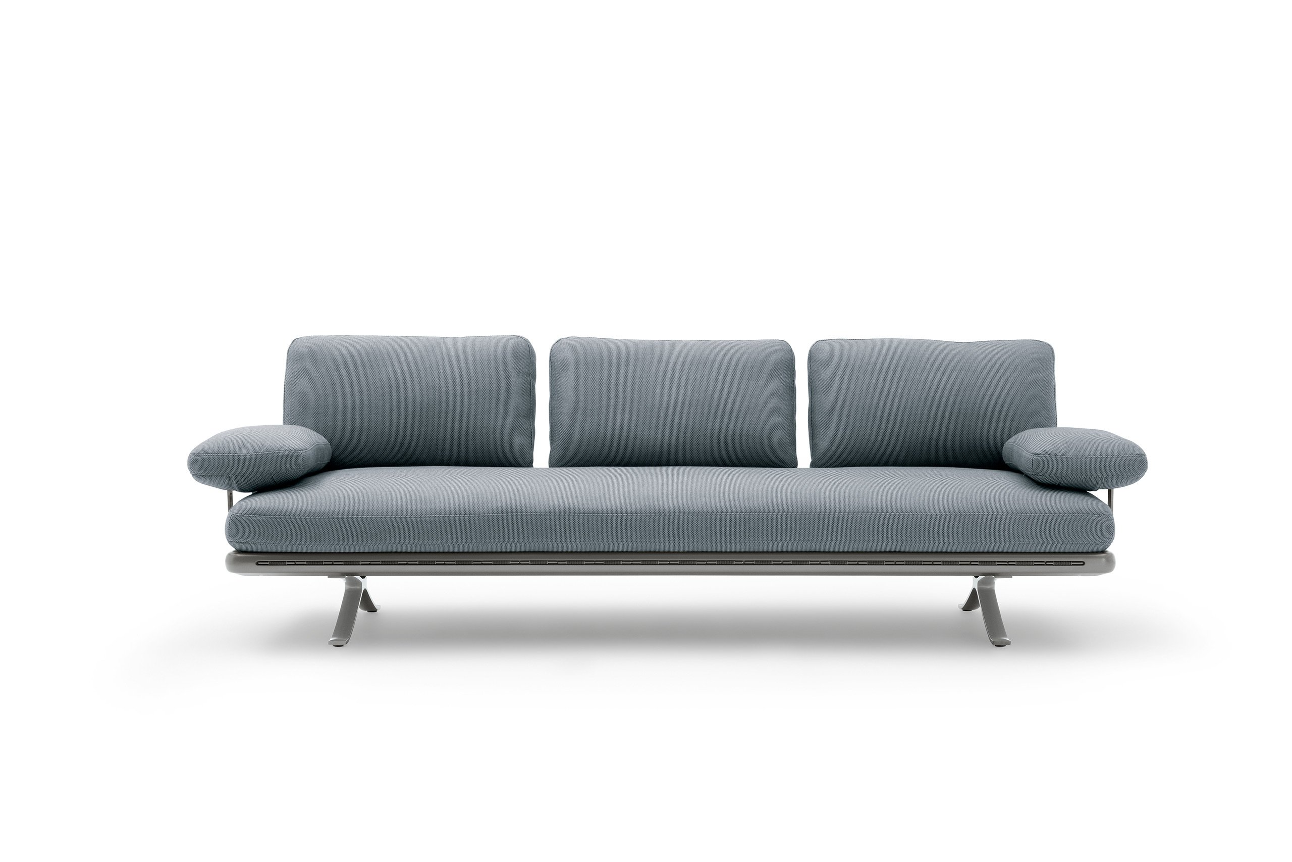 The new outdoor collection from Rolf Benz: Rolf Benz YOKO. At home – outside.